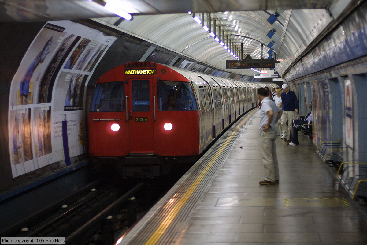 how to become a london underground train driver